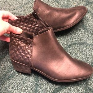 Euc Faded Glory boots size 8
